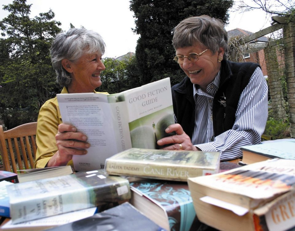 senior-book-lovers
